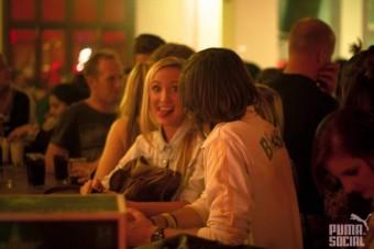 Bar flirts