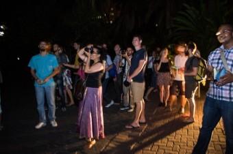 Crowd under Cecil