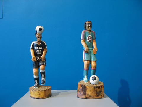 Phula Richard Chauke, Soccer players, wood and paint