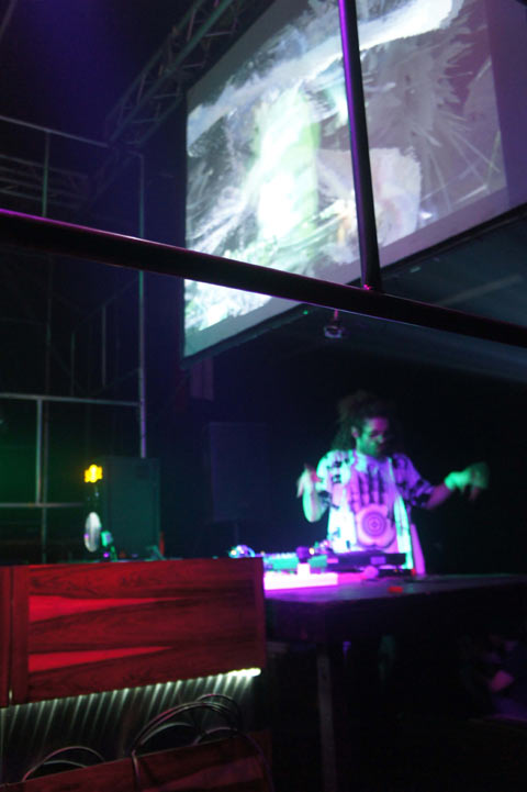Gaslamp Killer, Sibot