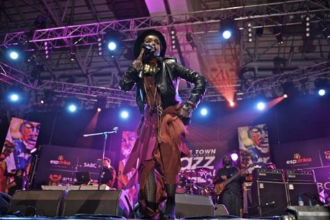 Jazzfest - Strike a Pose