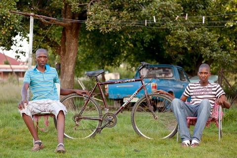 Bicycle Portraits - Piet and Raditibane Khola