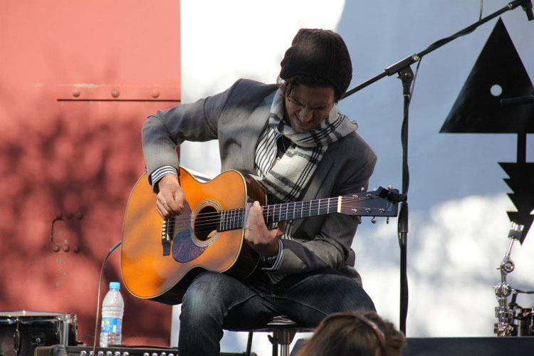 Dan-Patlansky-on-stage-@-Park-Acoustics
