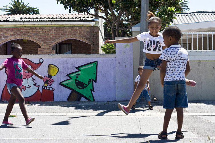 children-playing-skip-rope_langa