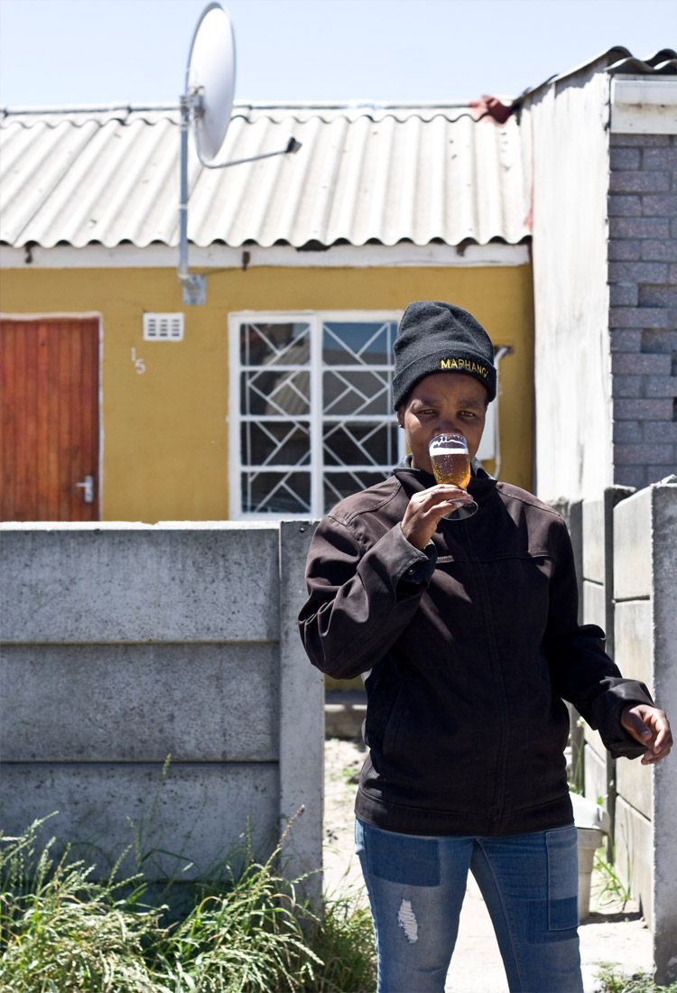Nomama Nongilam, Langa resident who agreed to have the outside of her house painted