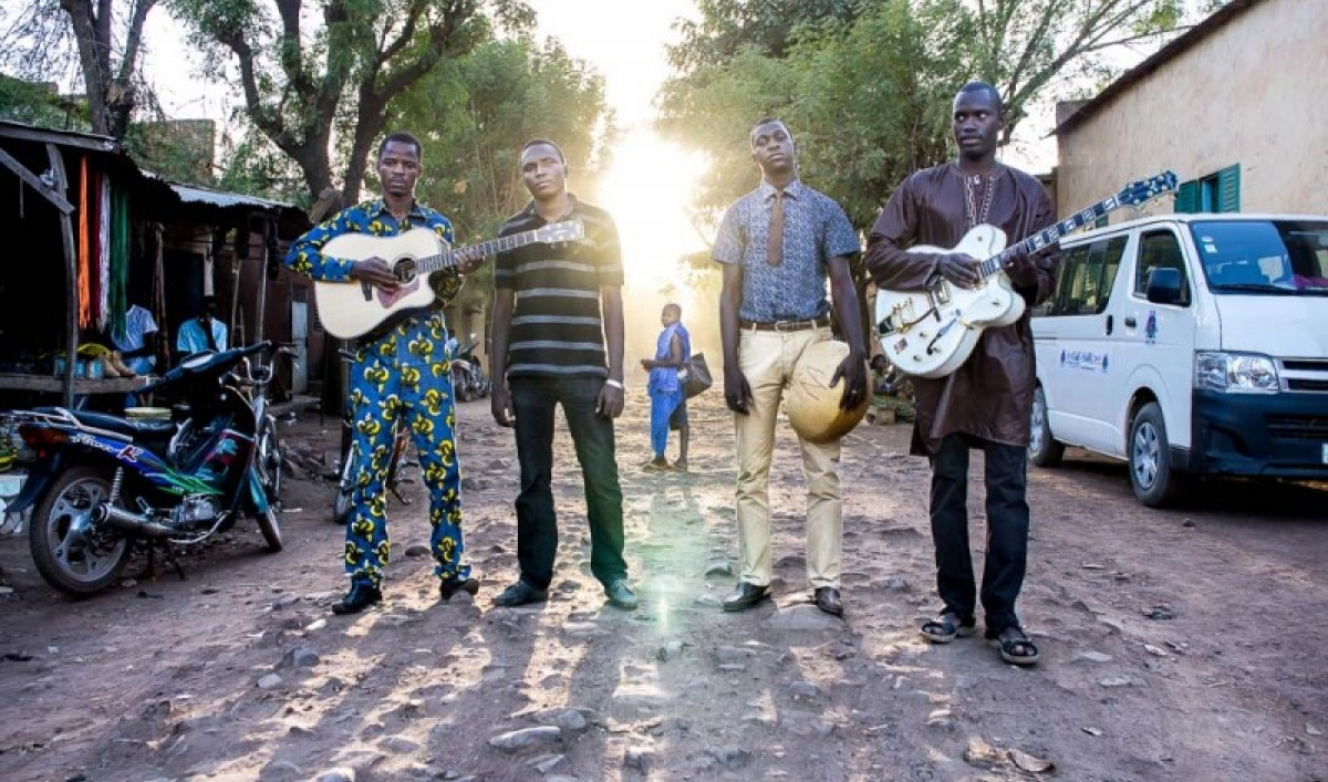 songhoy_bluespress_shot__large